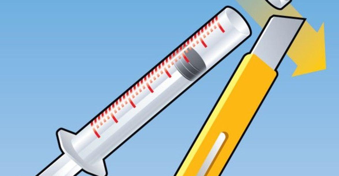 Подготовка шприца для извлечения клеща